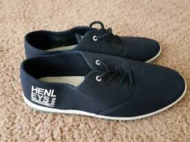 Henley shoes size 8