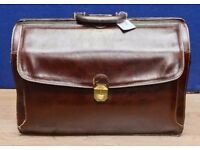 Leather Doctors Bag made by Texier with dust bag size 30cm tall excellent shape