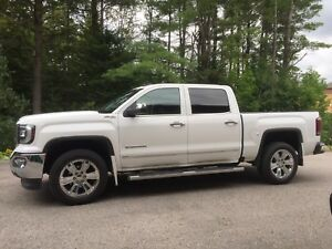 ONLY 7K Kilometers 2016GMC SIERRA SLT