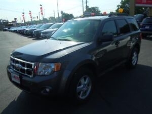 2012 FORD ESCAPE XLT- POWER GLASS SUNROOF, LEATHER HEATED SEATS,