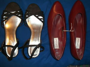 2 PAIRS OF WOMAN'S SHOES