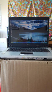 """Acer 15.4"""" Aspire Laptop- working condition"""
