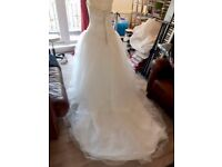 Maggie Sottero Wedding Dress Size 12 - Used for photoshoot (1hr) not for wedding