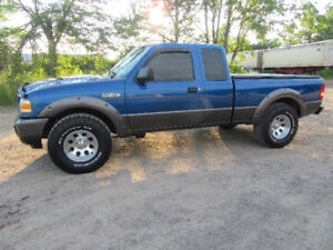 ABSOLUTLEY MINT CONDITION FORD RANGER 4X4
