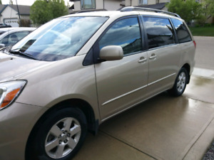 2005 Sienna LE mint-leather-dvd-low km