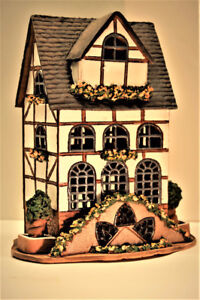 Handcrafted ceramic souvenirs Our houses can be used in aquarium