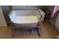 Chicco Next2Me Crib / bedside sleeper