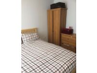 Northolt/Yeading - Double room available in modern flat. £500 pm