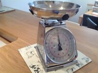 M&S Kitchen metal chrome traditional retro scales with bowl up to 5kg