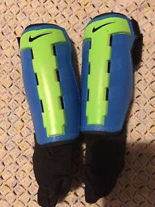 Nike kids soccer shin pads age 4-6
