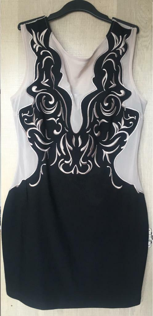 Lipsy dress size 14in Southampton, HampshireGumtree - Lipsy dress size 14 (more like a 12)Lovely dressOnly worn a couple of time very good condition