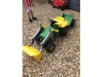Ride on tractor outside toy, in great condition.