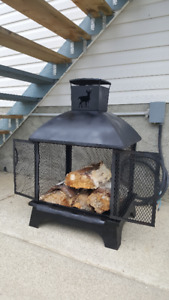 Outdoor barbeque fireplace