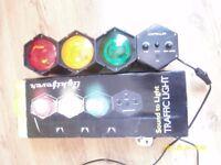 3-Color Sound-Responsive Traffic Disco Light