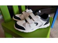Clarks Boys Trainers White / Navy Size 11 G