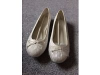 Ivory wedding pumps with memory foam cushioned soles