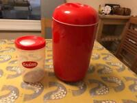 Easiyo yoghurt maker, v good condition