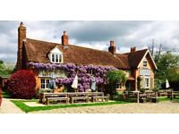 Live in Assistant Manager/Couple South Oxfordshire Pub with Rooms