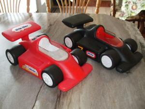Auto Little Tike 5$ chacune  450-994-2242