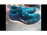 Nike free flyknit size 9