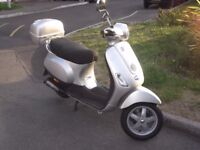 Vespa LX 50 2T, Aug 2008, 1 Previous Owner,Only 3800 kms,1 years MOT,Full Service History