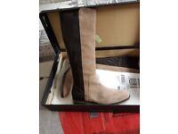Tommy hilfiger boots size 7 bnib