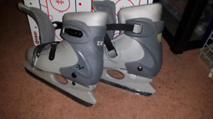 Youth skates adjustable size 4-8