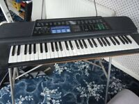 Casio keyboard CT-655 with stand