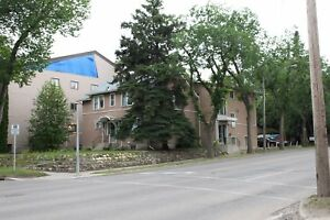 Varsity View - 2 Bedroom Apartment Next to the U of S!