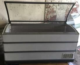 LARGE CHEST FREEZER. 1.7 metre