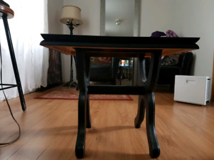 Beautifull Antique end/side table
