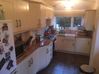 Kitchen for Sale - Great Condition - £400 - Collect After 22 August 2017