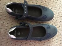 Clarks girls navy blue shoes