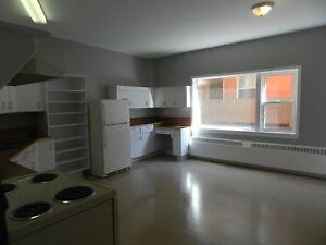 EXTREMELY LARGE 2 BEDROOM - DOWNTOWN DARTMOUTH