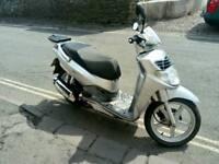 Scooter sym 125.