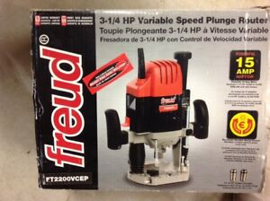 3 1/4 HP FREUD Variable Speed Plunge Router