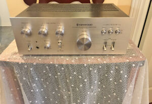 Gorgeous Silver Face 70's Vintage Kenwood 40 WPC Integrated Amp