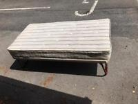 Single trundle bed guest bed