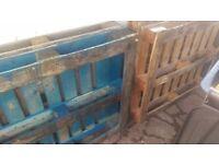 8 free pallets