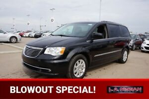 2016 Chrysler Town & Country TOURING Accident Free,  Back-up Cam