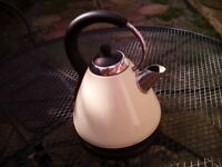 1.8L cream kettle works perfect collect NN9 Finedon