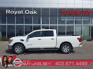2017 Nissan Titan SV with Premium Package