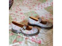 Dr Martin's ladys shoes size 3