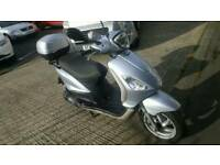 Silver Piaggio Fly 125 Scooter / motorbike 2500 miles, 2011
