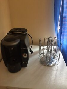 Cafetière bosh tassimo et rack à cup