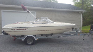 19' Stingray 190RS Bowrider - Inboard/Outboard - With Trailer