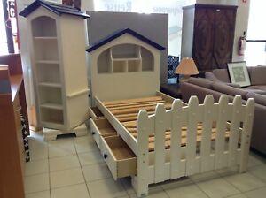 UNIQUE KIDS BED AND STORAGE SET @ HFHGTA VAUGHAN