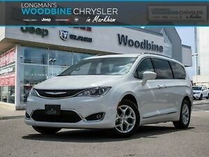 2017 Chrysler Pacifica Navigation/Leather Interior