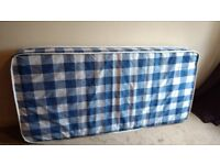 Single spring mattress 90x190 cm