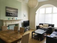 DOUBLE bedroom. Friendly ROUNDHAY House Share. ALL BILLS INC.